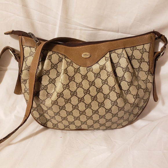 Gucci Handbags - Gucci authentic vintage large  crossbody
